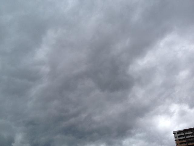台風接近の空